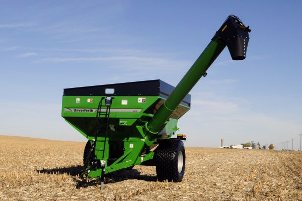 CroppedImage600400-60-series-Corner-Auger-Grain-Carts-860-model.jpg