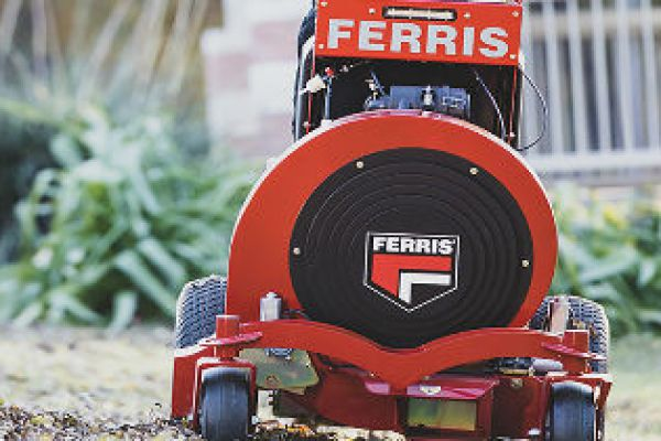 CroppedImage600400-Ferris-Stand-On-Blowers.jpg