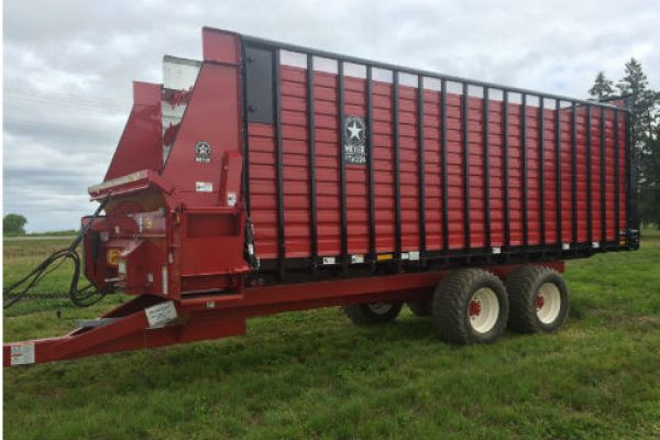 CroppedImage600400-Meyer-Front-Rear-Unload-Forage.jpg