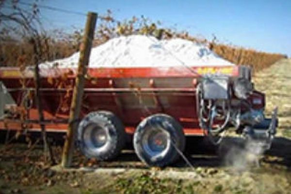CroppedImage600400-Pequea-Vineyard-OrchardSpreaders.jpg